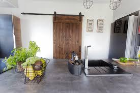 die moderne rustikale küche inspiration mit schiebeholztueren