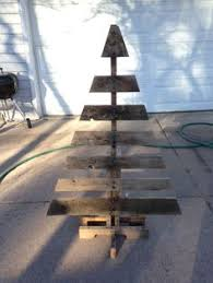 Painted Pallet Xmas Tree