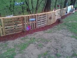 Fence Made From Wooden Pallets Best For Security 2017