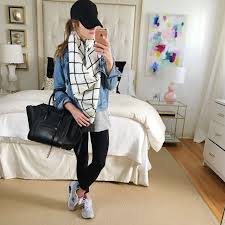 What To Wear With Leggings Travel Outfit Comfy Casual And Sneakers