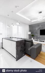 insel mit granit arbeitsplatte für offene küche neben