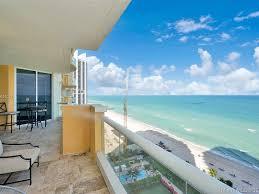 100 Million Dollar Beach 5 Star Front Suite Room Rental Roommate