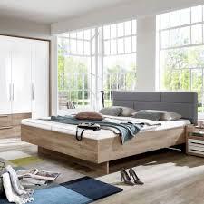 schlafzimmer im angesagten weiß holz stil schlafzimmer