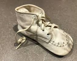 Pair Of Leather Vintage Baby Shoes Original Box Soft White Lace Up