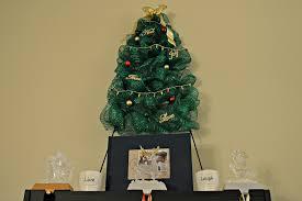 How To Make A Deco Mesh Christmas Tree Wreath