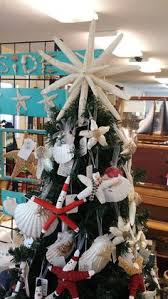 Crab Pot Christmas Trees Morehead City Nc by A Mini Crab Pot Can Decorate An Entry Hall Table Easynip