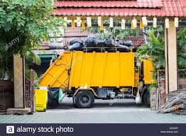 Rubbish Truck Stock Photos & Rubbish Truck Stock Images - Alamy