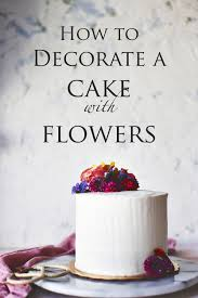 to Decorate a Cake with Flowers