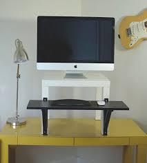 le de bureau ikea le réhausseur ikea une alternative à l achat d un nouveau bureau