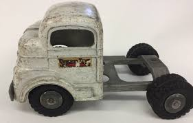 Vintage Toy Structo Semi Cab C-3044 Metal 1950's 8-1/2
