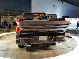 Watch The 2019 Chevy Silverado's Power-Lift Tailgate! | Top Speed