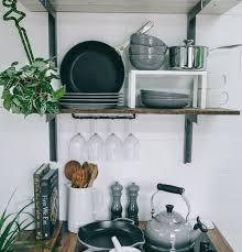 wie sie in einer kleinen küche stauraum schaffen
