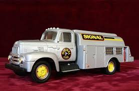 FIRST GEAR TRUCK SALE - 1957 INTERNATIONAL R190 TANKER | #1864430719