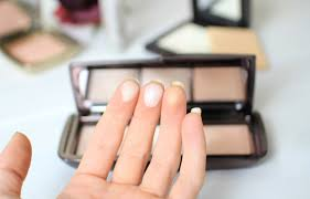The Hourglass Ambient Lighting Palette Dim Infusion Blush and