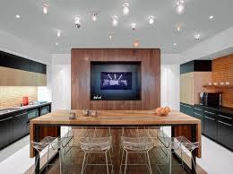 table cuisine originale donnez un cachet exotique à l intérieur avec une table en teck