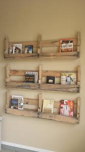 DIY Pallet Wall Shelf