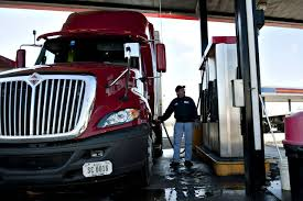 100 Truck Driver Average Salary Salaries Rising On Surging Freight Demand WSJ