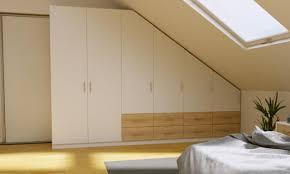 schlafzimmerschrank für die dachschräge planen