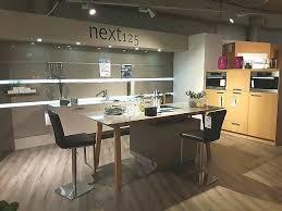 next125 nx605 designküche wandhängend und mit kochtisch