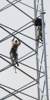 in race for better cell service who climb towers pay propublica