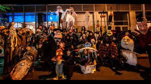 Nightmare Before Christmas Halloween Yard Decorations by The Nightmare Before Christmas In The Village Halloween Parade