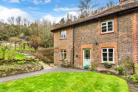 100 Oxted Houses For Sale 3 Bedroom Property For Sale In Chalkpit Lane Surrey RH8