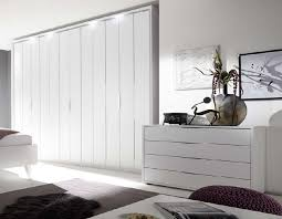 commode chambre adulte design commode design blanche et chromé chambre adulte hcommehome