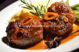 cuisiner du jarret de boeuf jarret de porc caramélisé sauce au vin cuit l eau à la bouche