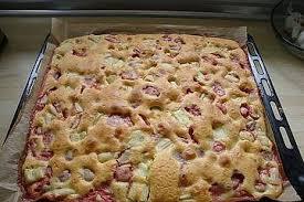 schneller erdbeer rhabarberkuchen