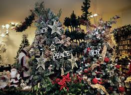 Realistic Artificial Christmas Trees Nz by Are Real Or Artificial Christmas Trees Better Stuff Co Nz