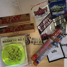 Lava Lamp Bong Ebay by Christmas Bundle Smokers Rolling Box With Raw Rizla Blunts Cones