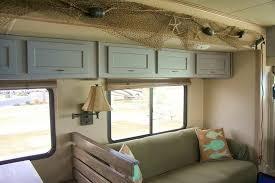 Best Camper Interior Decoration Ideas 23