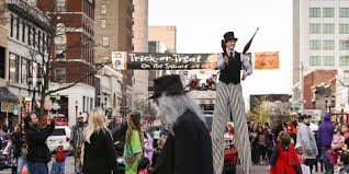 Halloween City Saginaw Mi by Halloween Events Zombies Trick Or Treating And Burlesque