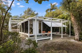 100 Architect Paul Rudolph S Walker Guest House Is For Sale In Florida The Spaces