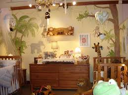 chambre jungle bébé thème jungle chambre bébé
