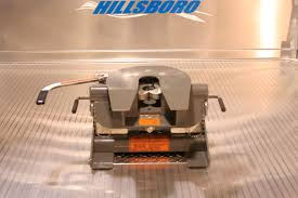 B&W COMPATIBILITY WITH COMPANION FLATBED 5TH WHEEL HITCH | Hillsboro ...