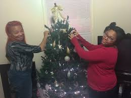 Meijer Christmas Trees by Restaurant Owners Gift 1 000 Free Christmas Trees To Detroit Locals
