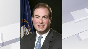 former secretary of kentucky s personnel cabinet faces bribery charge