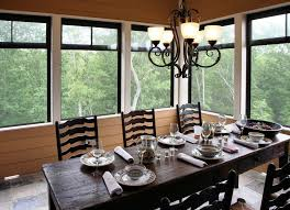 rustikale esszimmer mit möbeln aus naturholz moebeltipps ch