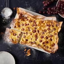 ricotta kuchen mit roten trauben