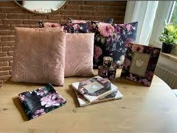 deko kissen bilderrahmen blumen floral wohnzimmer ambia rosa gold