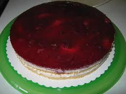 joghurt torte mit roter grütze