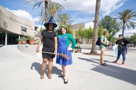 Spirit Halloween Northridge by Matadors Get In The Halloween Spirit The Sundial