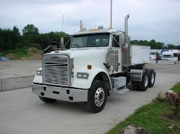 FREIGHTLINER TANDEM AXLE DAYCAB FOR SALE | #7106