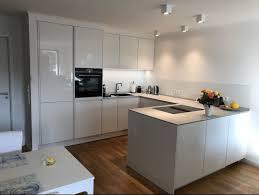 neubaumietwohnung offene küche mit 3m zeile u form
