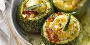 comment cuisiner les courgettes au four courgette ronde au four recette sur cuisine actuelle