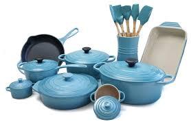 le creuset pots prices le creuset 20 cast iron and stoneware cookware set