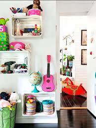 étagère murale pour chambre bébé meuble pour ranger les jouets etagere cagette dans une chambre