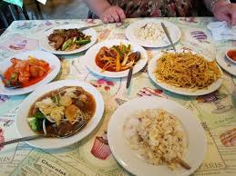 cuisine a 4 mains 4 mains chow fried rice and a singapore chow mein picture