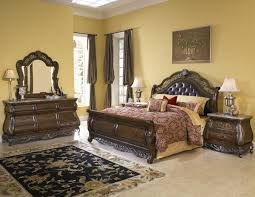 Queen Bedroom Furniture Design Decorating Ideas